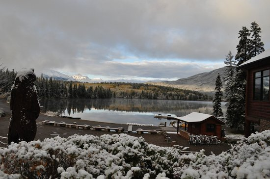 Pyramid Lake Resort: Surprise snowfall