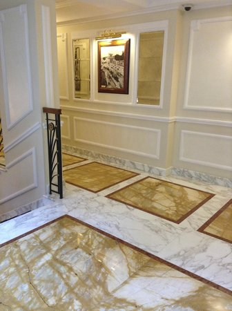Hotel Manzoni: elegant marble hallways