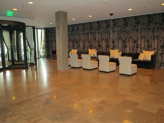 Proximity Hotel: Lobby