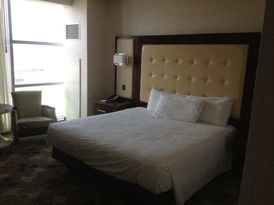 Blue Chip Casino and Hotel: bed