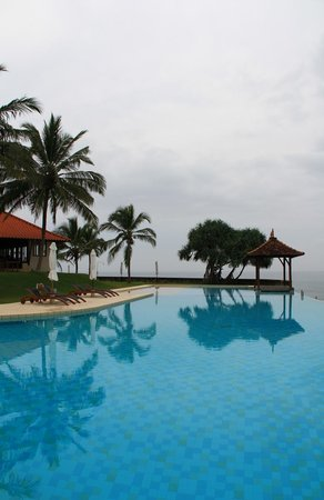 Saman Villas: Infinity pool