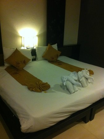 Ananta Burin Resort: The bed.
