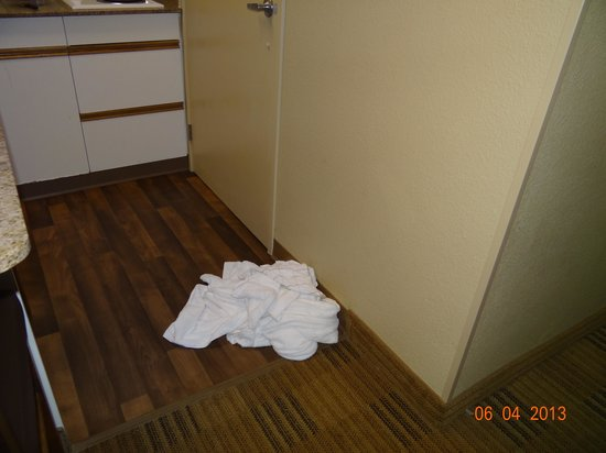 Extended Stay America - San Francisco - San Mateo - SFO: Towels put for replacement not replaced.