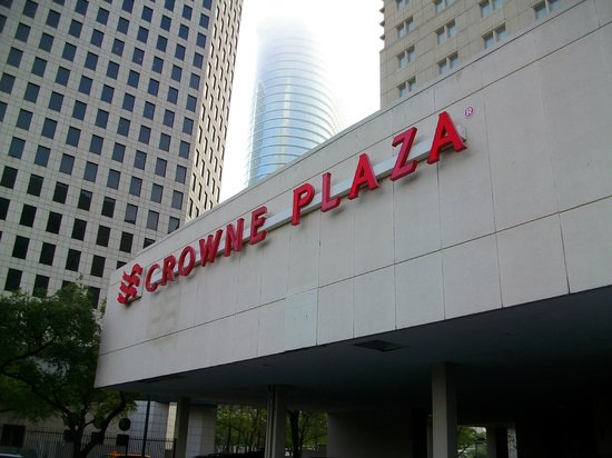 Crowne Plaza Houston Downtown: exterior