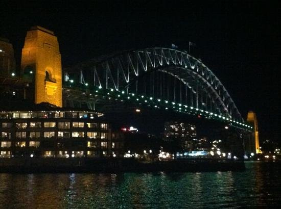 Holiday Inn Old Sydney: bridge