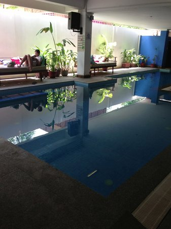 The Siem Reap Hostel: Clean pool &amp; great hang out area