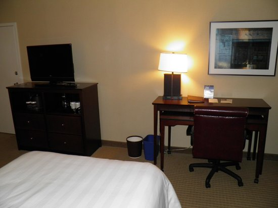Crowne Plaza Hotel Old Town Alexandria: Room 317