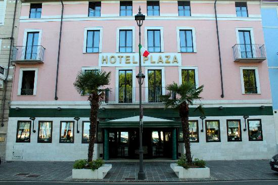 Photo of Hotel Plaza Desenzano Del Garda