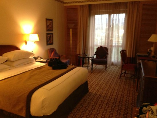 Sheraton Addis: Spacious standard room