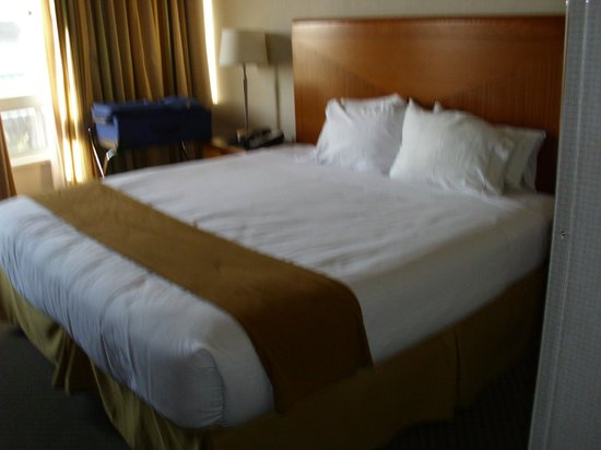 Holiday Inn Express Hotel &amp; Suites San Francisco Fisherman&#39;s Wharf: Hotel room