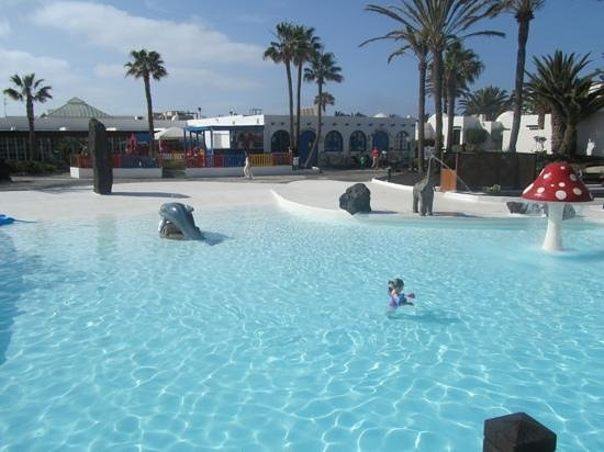 H10 Lanzarote Gardens: great sized pool