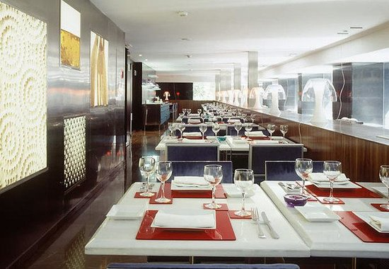 AC Hotel Irla by Marriott: Restaurant