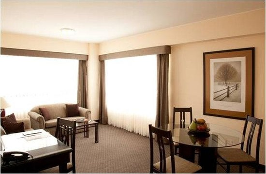 Conquistadores Hotel &amp; Suites: Suite