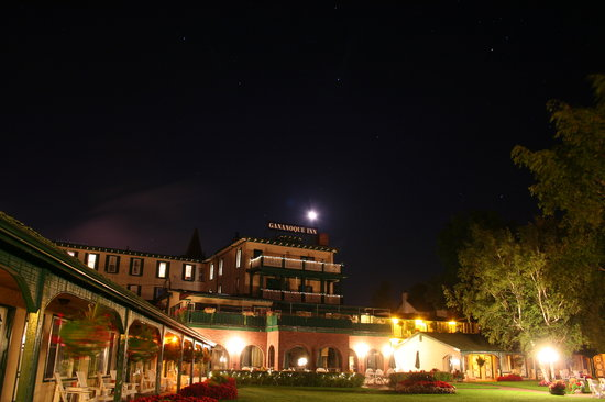 The Gananoque Inn and Spa: From the Dock at Night