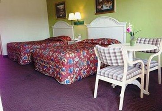Holiday Terrace Inn: Queenbeds