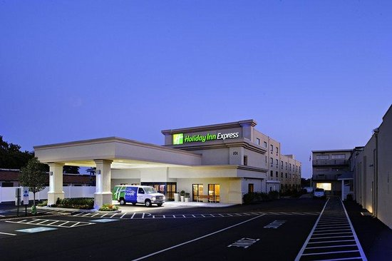 Essington, PA: Welcome to the Holiday Inn Express Philadelphia Airport