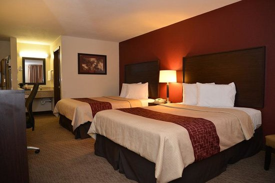 Red Roof Inn Cookeville - Tennessee Tech : Deluxe 2 Queen