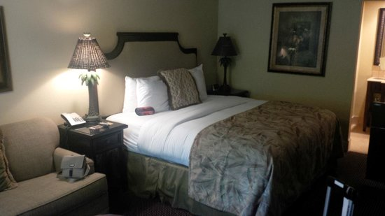 The Inn at Key West: King size bedroom