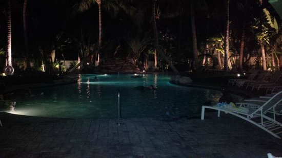 The Inn at Key West: night time at the pool