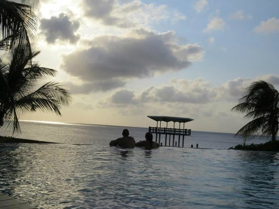 Hilton Curacao: the infinity pool