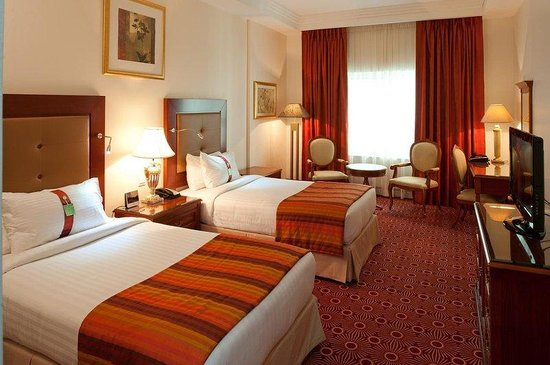 Holiday Inn Bur Dubai - Embassy District: Relax in our spacious standard rooms