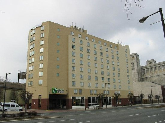 Holiday Inn Express Philadelphia E - Penns Landing: Hotel Exterior