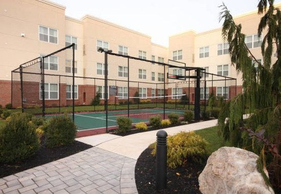 Woodbridge, NJ: Sport Court
