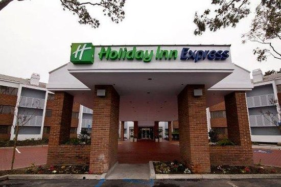 Holiday Inn Express Port Hueneme: Holiday Inn Express hotel near Port of Hueneme