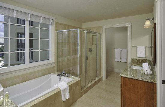 The Westin Cape Coral Resort At Marina Village: Guest Bathroom