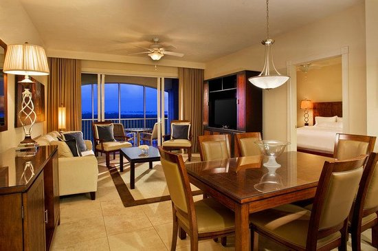 The Westin Cape Coral Resort At Marina Village: Suite Living & Dining
