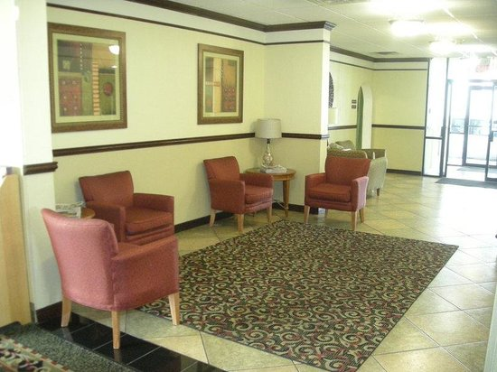 Red Roof Inn Gurnee - Waukegan: Lobby