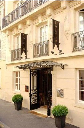 Photo of Hotel Le Marquis Paris