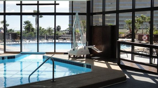 Holiday Inn Corpus Christi Downtown Marina: Year round swimming inside or out