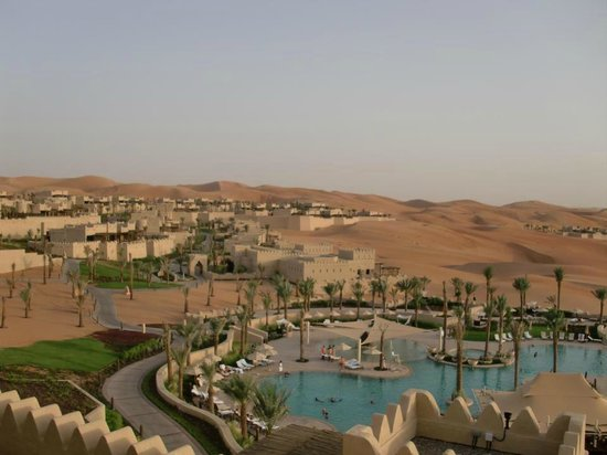 Qasr Al Sarab Desert Resort by Anantara: Qasr Al Sarab view from my room