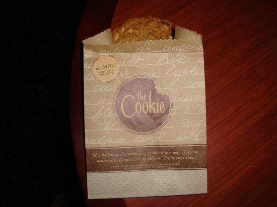 DoubleTree by Hilton Nashville-Downtown: That cookie was warm and chewie
