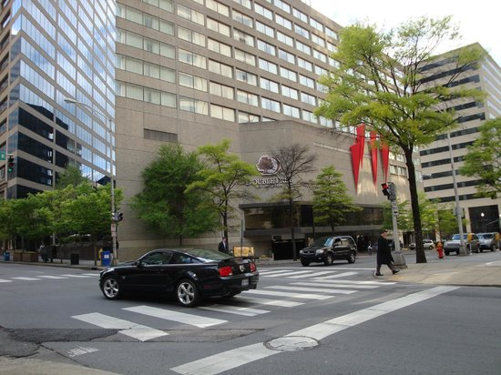 DoubleTree by Hilton Nashville-Downtown: main entrance