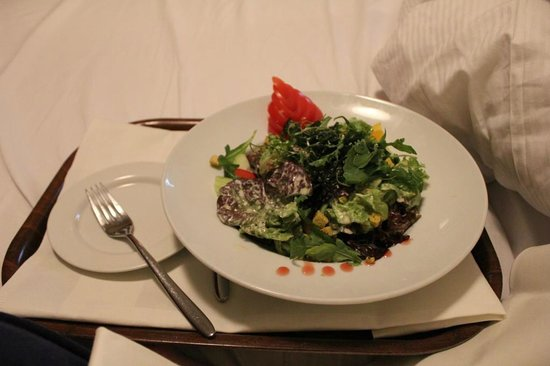 Leonardo Hotel Köln: Late night room service