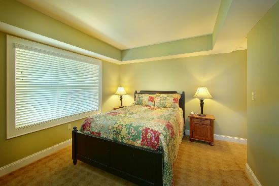 Cherokee Lodge Condos : Guest Bedroom