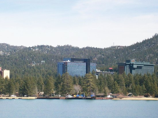 Harrah's Lake Tahoe: Harrahs Hotel from the lake