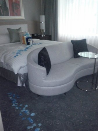 Loews Hotel Vogue: Premium King Room!