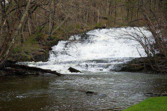 Shawnee Village Resort: Buttermilk Falls