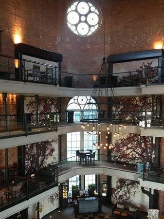 The Liberty Hotel: atrium