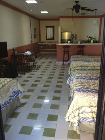 Luz En Yucatan: The Palacio room - 3 beds and a kitchen!