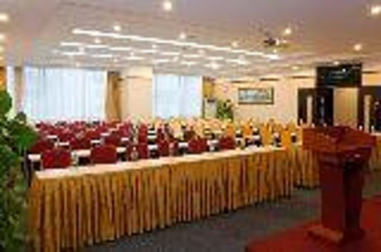 Nine Days Business Hotel(Dongguan Nancheng)