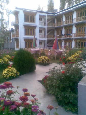 Photo 1 Hotel Yak Tail