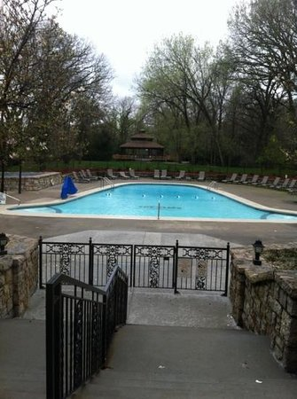 Excelsior Springs, MO: Gazebo/ Pool
