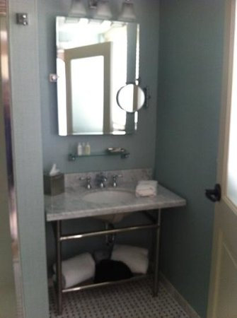 The Elms Hotel and Spa: bathroom