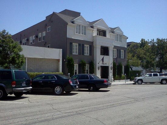 301 moved permanently for Maison hotel beverly hills