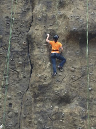 The Springs Resort and Spa at Arenal: The Rock Wall at Club Rio