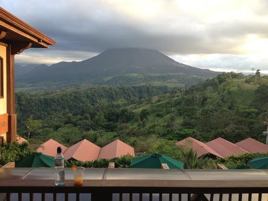 The Springs Resort and Spa at Arenal: Hotel Entrance W Arenal Volcano View